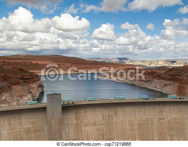 shot of the glen canyon dam and lake powell in page, az - csp71219888