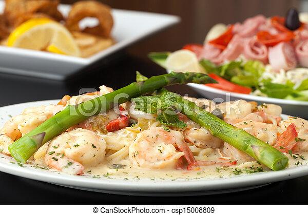 Shrimp Scampi with Asparagus - csp15008809