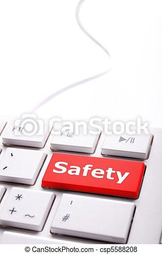 Sicherheit zuerst - csp5588208