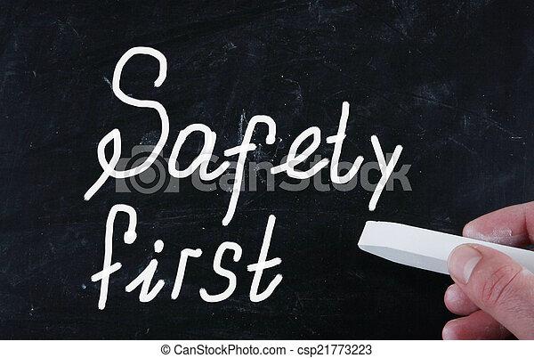 Sicherheit zuerst - csp21773223