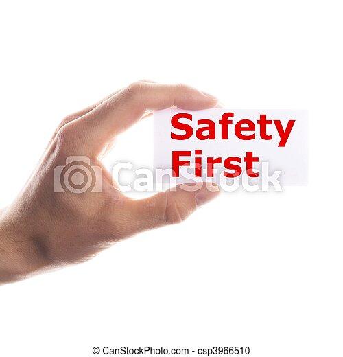 Sicherheit zuerst - csp3966510