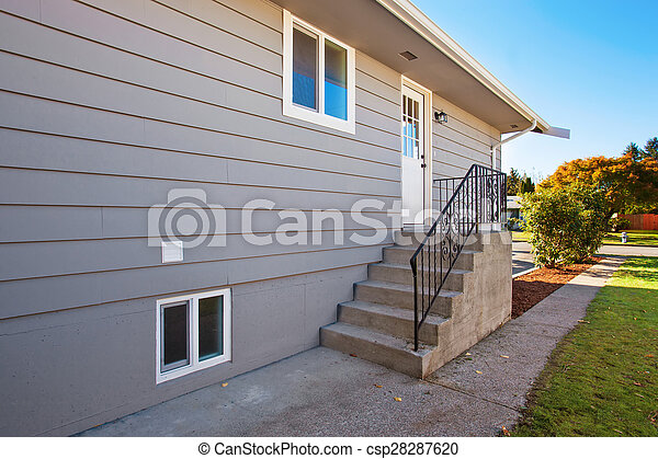 Side Door To Modern House Side Door With Steps To Modern
