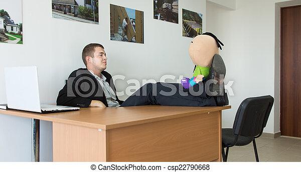Sien bureau délassant pieds jouet bourré homme secteur