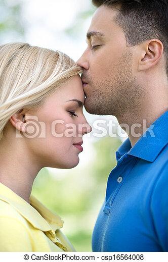sien, couple, vue, parc, jeune, aimer, park., petite amie, baisers, homme, côté, beau - csp16564008