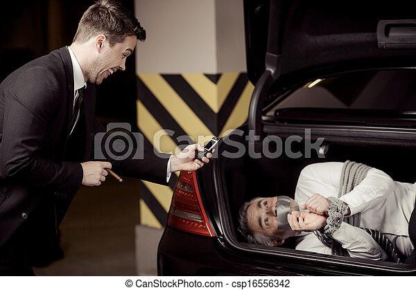 sien mobile voiture ravisseur haut attach kidnapp regarder t l phone appareil photo. Black Bedroom Furniture Sets. Home Design Ideas