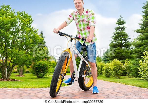 sien, vélo, séance, parc, fabuleux, homme, beau - csp39257739