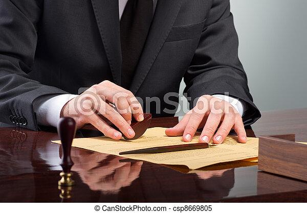 Signing testament - csp8669805