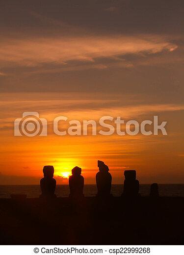 silhoutte, 島, 日没, moai, イースター - csp22999268