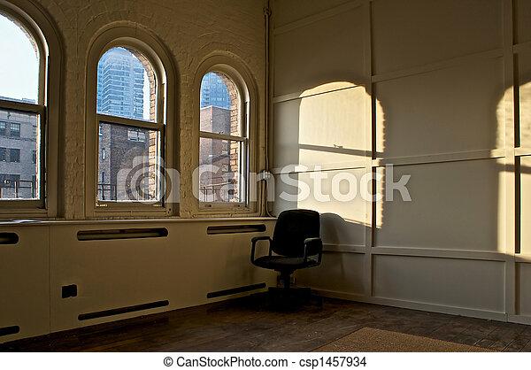 Habitación con silla - csp1457934
