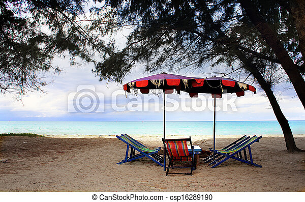 Sillas de playa con paraguas - csp16289190