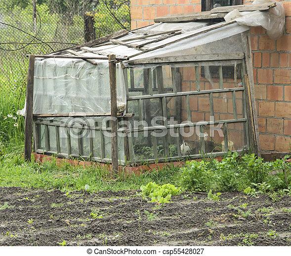 Simple Serre Fait Maison Plastique Jardin Legumes Petit Serre Fait Maison Village Croissant Canstock