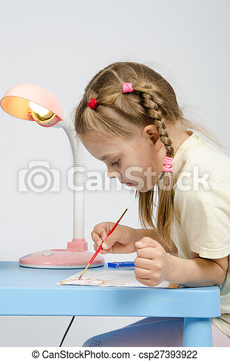 Six year old girl with enthusiasm draws paints - csp27393922