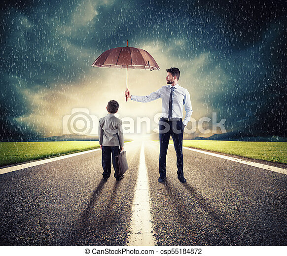 skydda, begrepp, paraply, start, ung, skydd, affärsman, child., ekonomi - csp55184872
