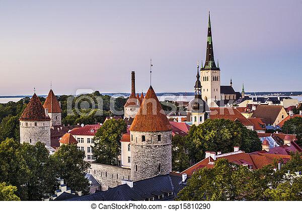 skyline, tallinn, estónia - csp15810290