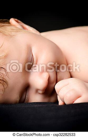 sleeping baby - csp32282533