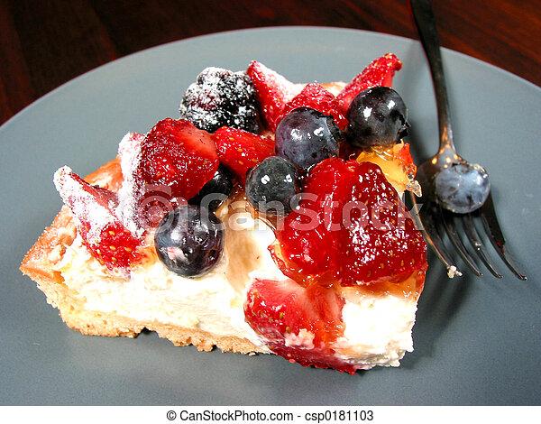 Slice of berry cake - csp0181103