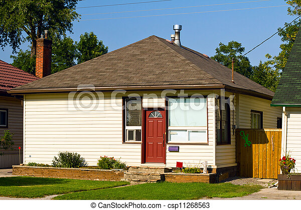 Small bungalow - csp11268563