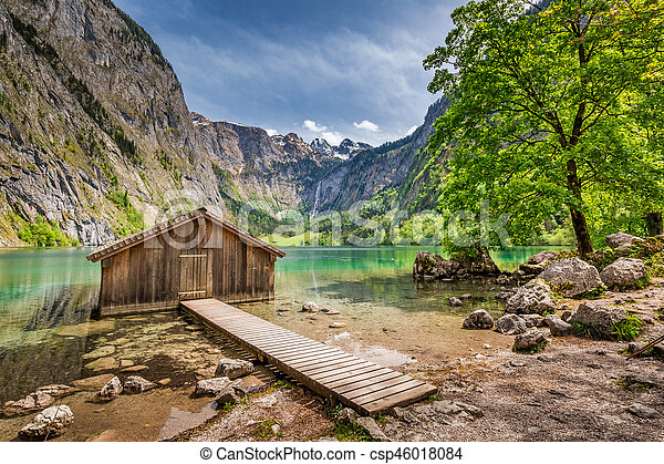 Small wooden cabin at Obersee lake in German Alps, Europe - csp46018084