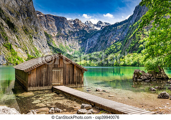 Small wooden cabin at the Obersee lake in German Alps - csp39940076