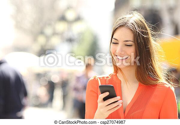 smart, kvinna, apelsin, tröttsam, ringa, skjorta, texting - csp27074987