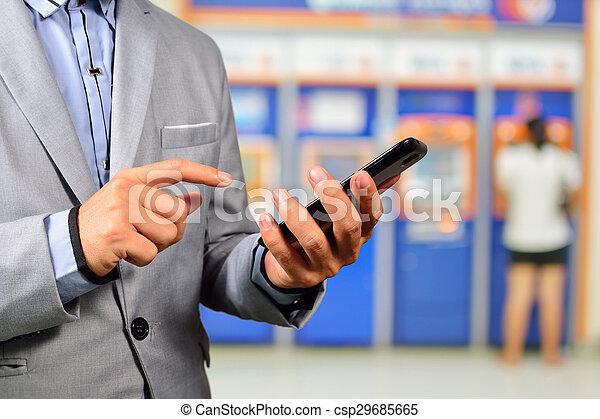 smartphone, aplicação, móvel, operação bancária, usando, businesssman - csp29685665