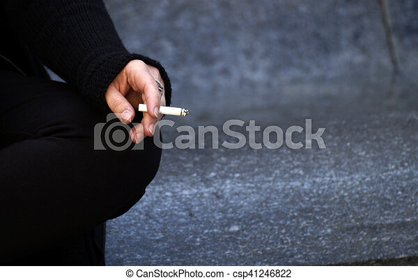 smoke cigarette - csp41246822