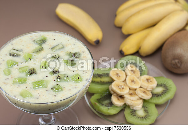 Smoothie banana and kiwi. - csp17530536