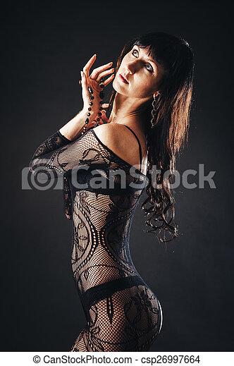 Mørke sorte kvinder nøgen