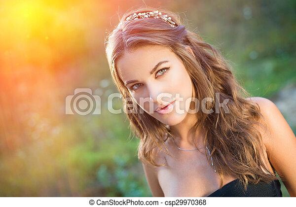 Smukke unge nøgne teenagere