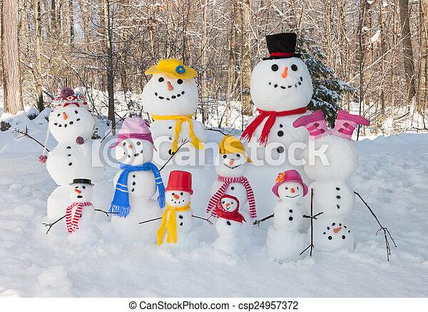 Snowman family - csp24957372