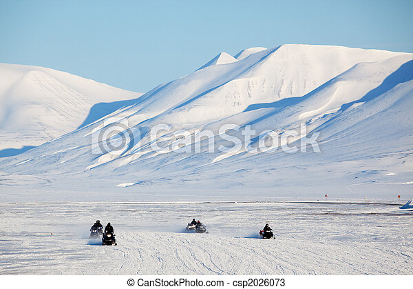 Snowmobile in Svalbard - csp2026073