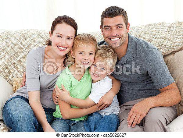 sofá, familia feliz, sentado - csp5022627