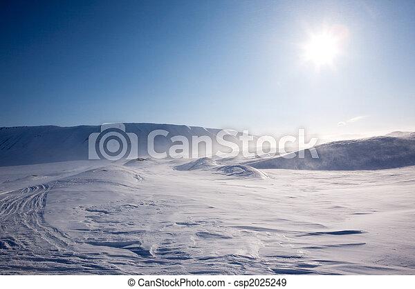 soffiando, neve - csp2025249