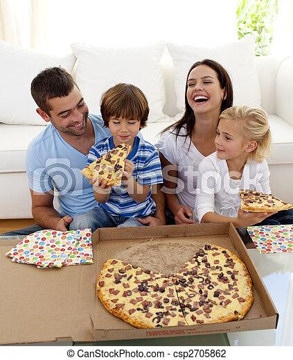 soggiorno, mangiare, famiglia, insieme, sorridente, pizza - csp2705862
