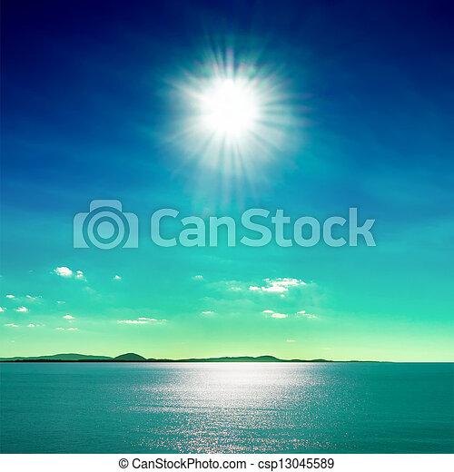 Sol y mar - csp13045589