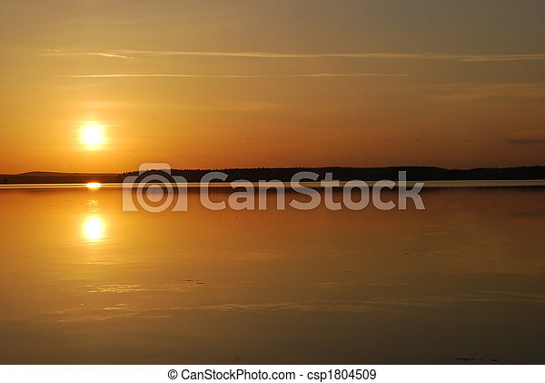 sol, medianoche - csp1804509