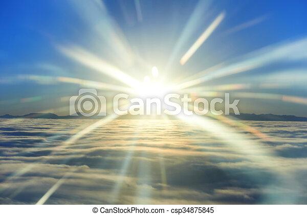 Cielo, sol del atardecer y nubes - csp34875845