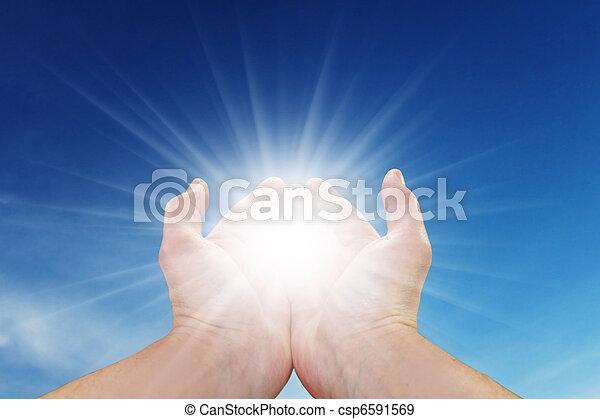 sol, seu, mãos - csp6591569