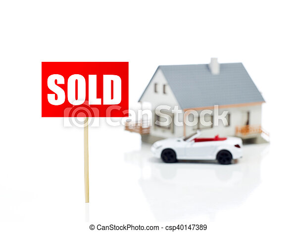 Sold sign in front of house - csp40147389