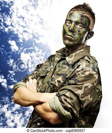 soldado, jovem - csp8365937