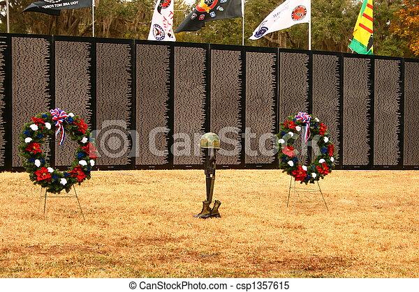 Conmemoración del soldado - csp1357615