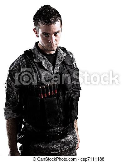 soldat, beväpnat - csp7111188