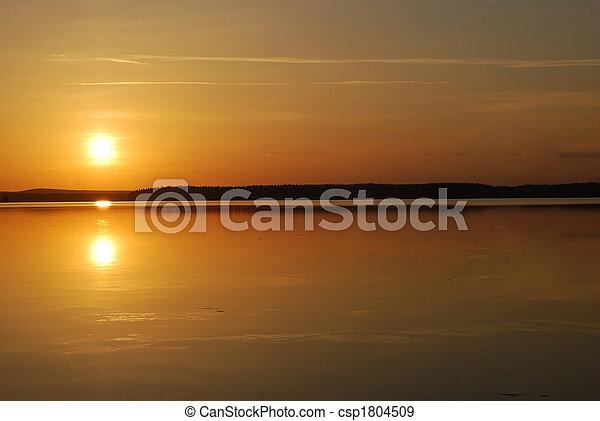 sole, mezzanotte - csp1804509