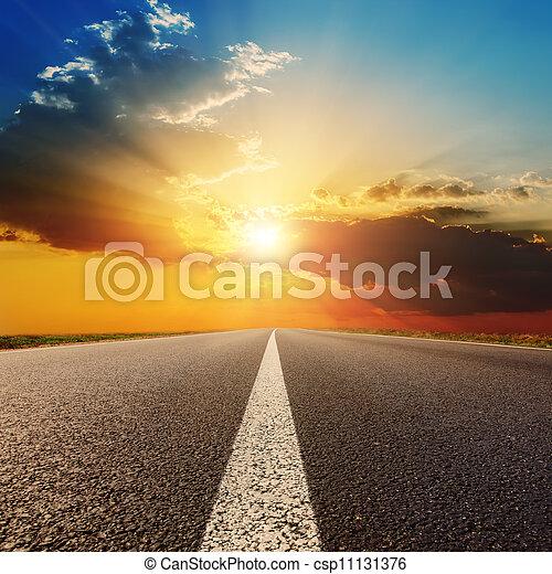 solnedgång, skyn, väg, asfalt, under - csp11131376