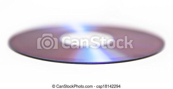 Un CD aislado en fondo blanco - csp18142294