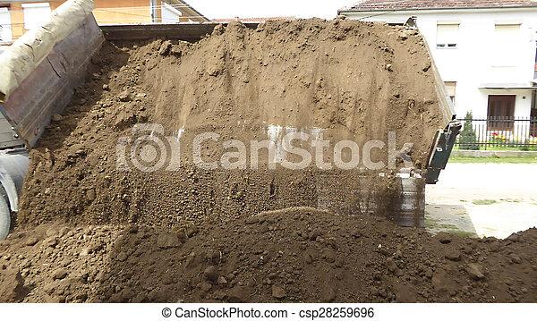 solo, caminhão, descarregando - csp28259696