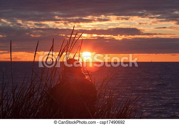 solo, donna, tramonto, osservare - csp17490692