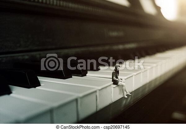 solo, pianoforte gioca - csp20697145