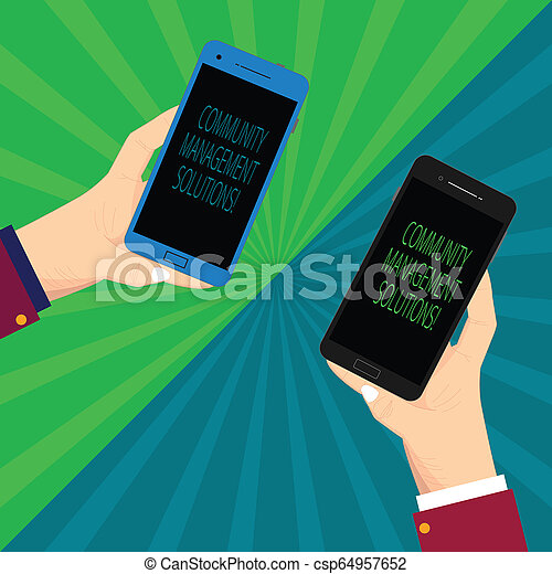 Escribiendo notas que muestran soluciones de gestión de la comunidad. Fotografía de negocios gestionando y participando en la comunidad de su marca dos manos de análisis del Hu sosteniendo un smartphone en blanco en Sunburst. - csp64957652