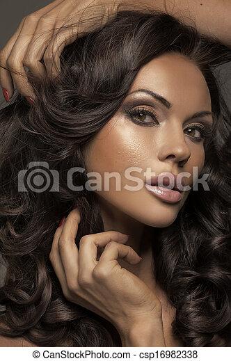 sombre, crise, bouclé, jeune, cheveux, girl - csp16982338